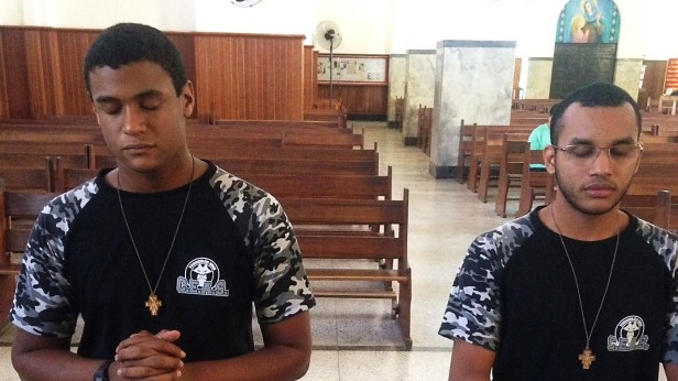 capa jovens padres