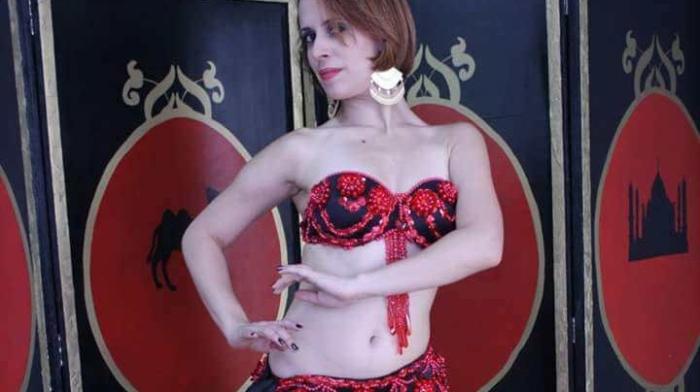 Lory Maeve dança do ventre